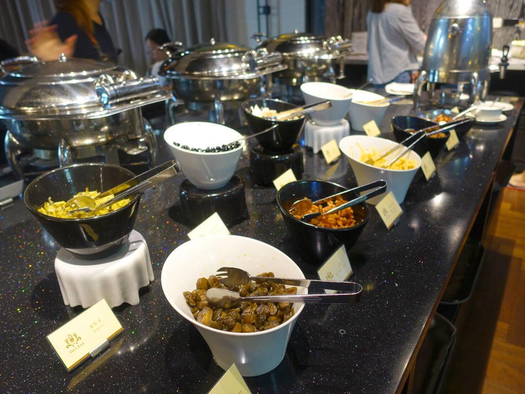 高雄・市議會駅エリアのおすすめホテル「WO Hotel」の朝食ビュッフェ(お粥)