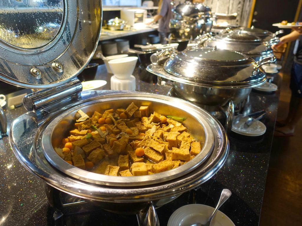 高雄・市議會駅エリアのおすすめホテル「WO Hotel」の朝食ビュッフェ(おかず)
