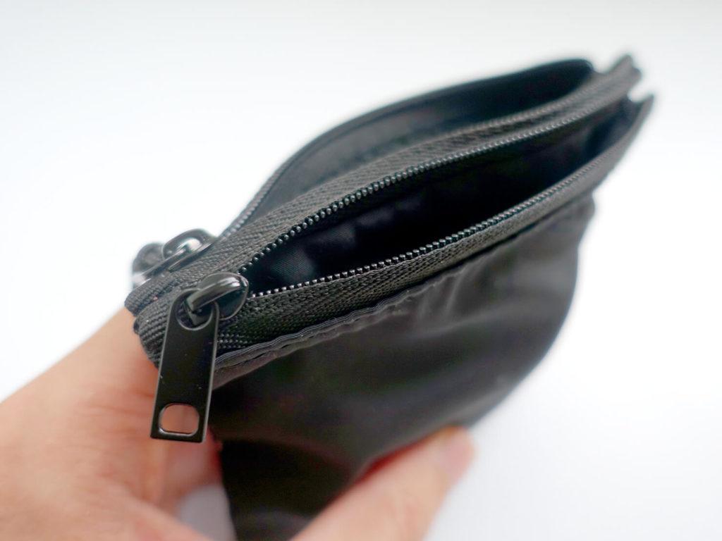 重いカバンを軽量化するために新調した持ち物「MUJI - 聚酯纖維雙拉鍊袋S」のチャック