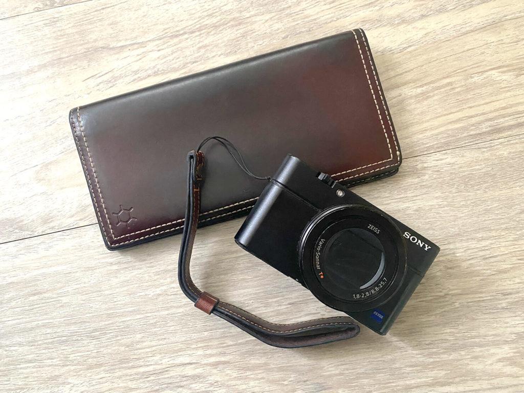 長年愛用している長財布とSONY RX100