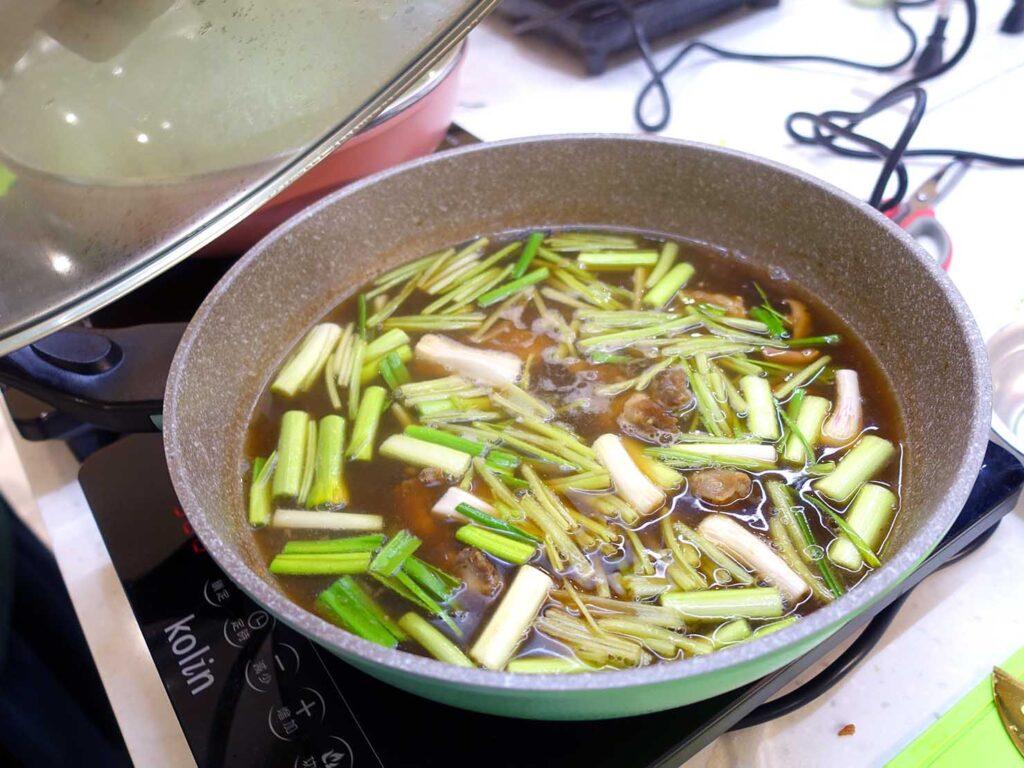 台湾料理教室&プライベートレストラン「好客台北 Be My Guest Taipei」で作ったスープが完成