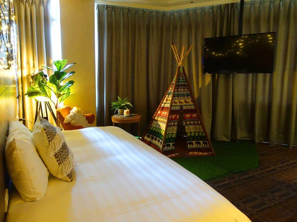 台北のおすすめLGBTフレンドリーホテル「路徒行旅 Roaders Hotel」デラックス・シングルルームを壁側から