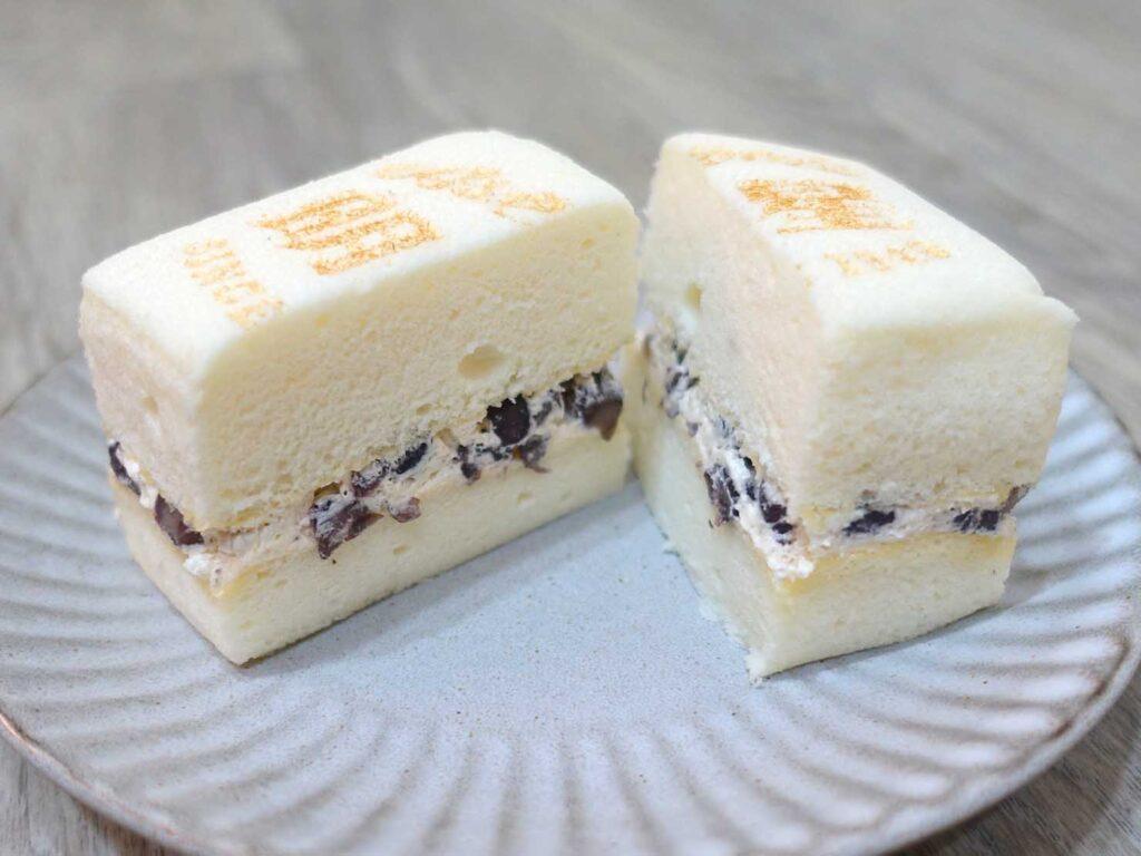台北駅前エリアにある老舗菓子店「明星西點」の豆腐蛋糕クローズアップ