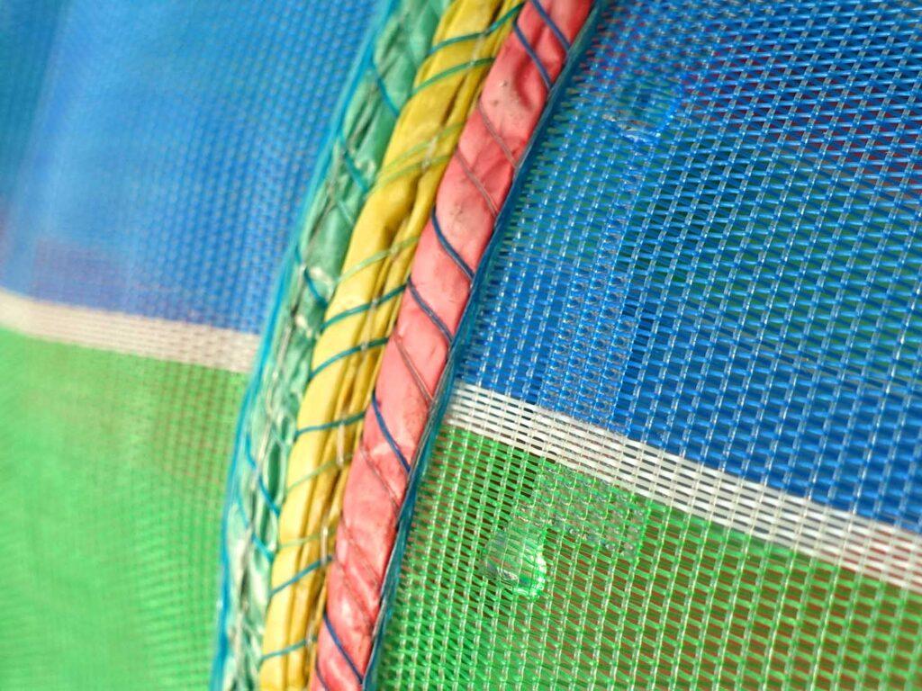 台湾生活で愛用しているナイロン漁師網バッグ「茄芷袋」の耐水性