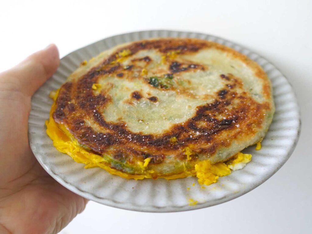 台湾の自宅でよく食べる朝ごはん「古味新研蔥油餅」