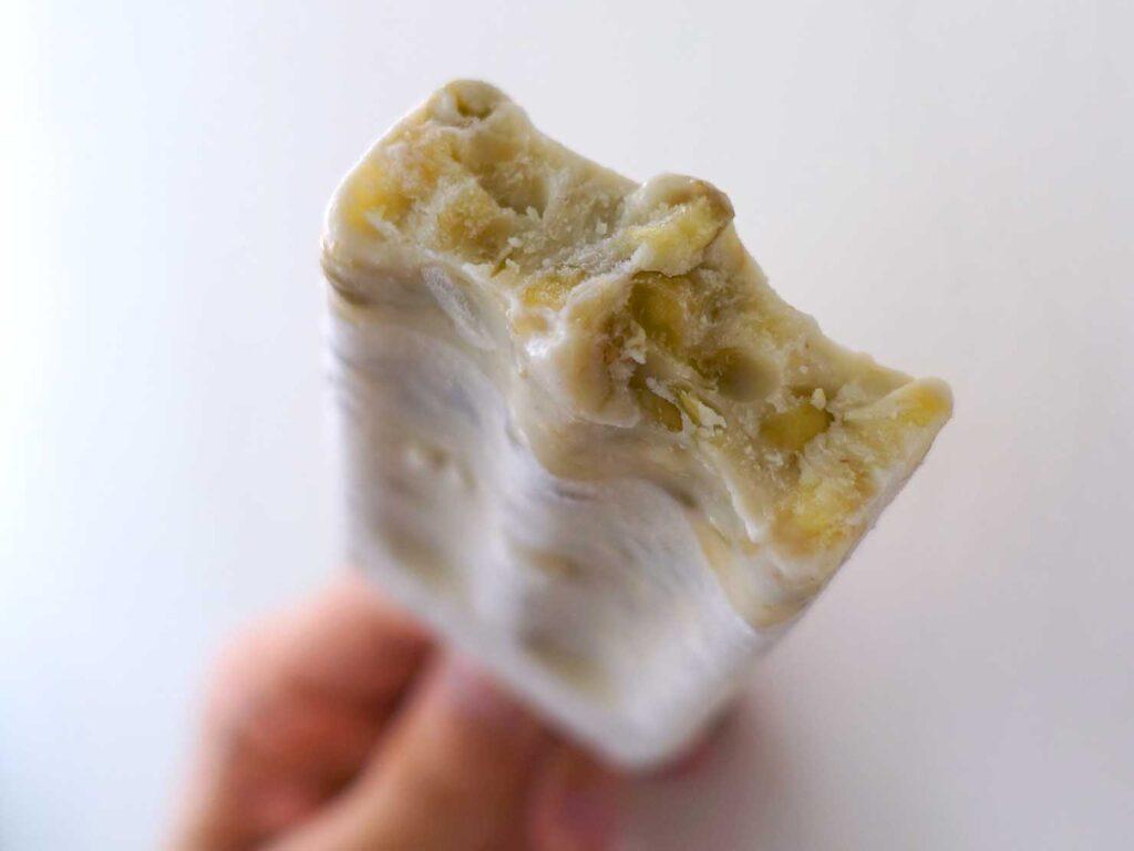 台湾のスーパーで買えるおすすめ箱アイス「綠豆牛奶冰棒」クローズアップ