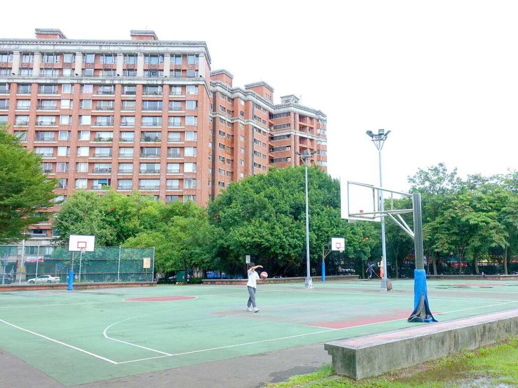 永安市場・四號公園のバスケットコート