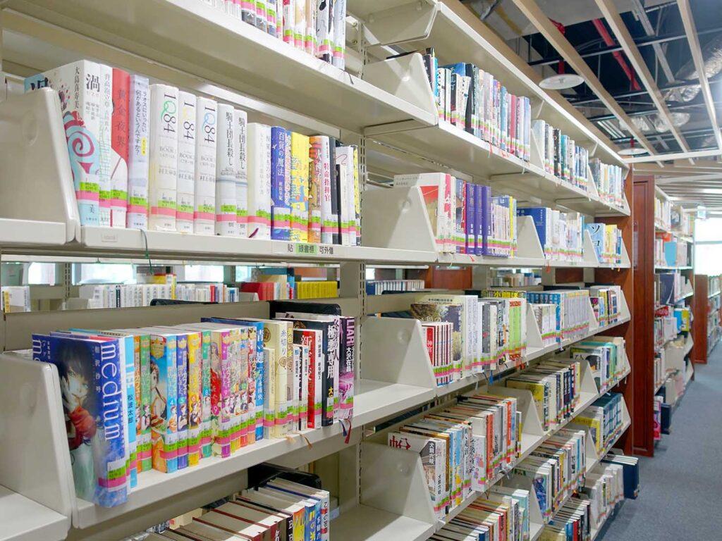 「國立台灣圖書館」2Fの日本語の本コーナー